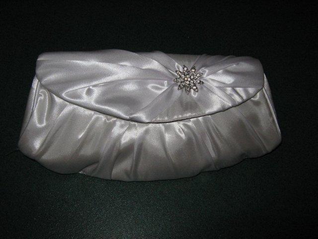 Co uz mame - krasna, biela, nova kabelka