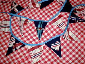 bunting...nesmi chybet