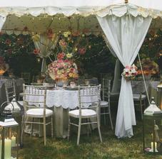 Krasne...garden tea party :)