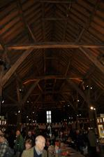 Tohle neni moc dobra fotka farmarskeho trhu, kde se tady u nas taky delaji svatebni hostiny. Pred nekolika staletimi se tady odvadely desatky vrchnosti :) Moc krasne misto plne historie :)