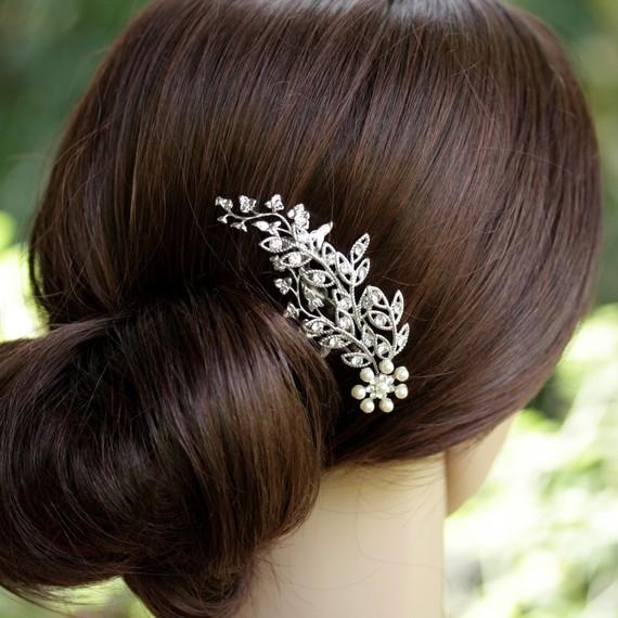 Vlasy a makeup - Takhle nejak, ale s jinou kvetinou...