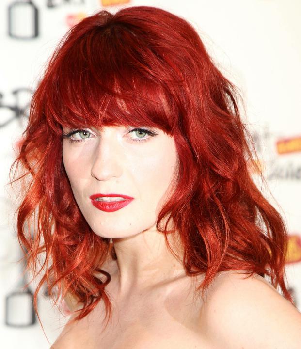 Vlasy a makeup - Vlasy bych chtela mit jako Florence...ale asi ne :))
