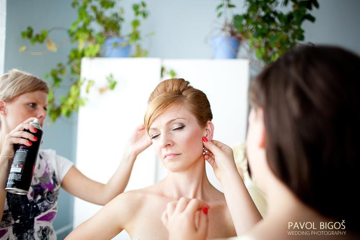 V{{_AND_}}N - Lakovani a nasazovani nausnic.../ Hair spray and earrings...