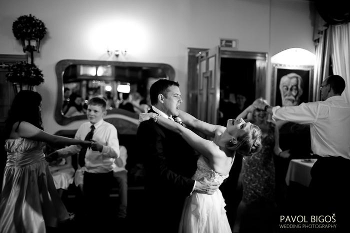 V{{_AND_}}N - Let's dance!