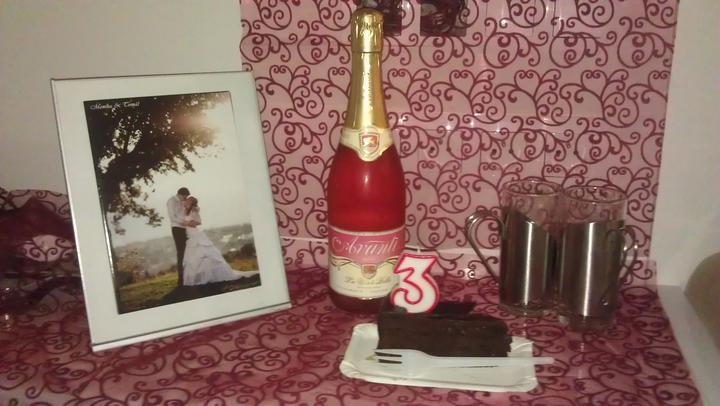 M{{_AND_}}T - takto manžílek připravil překvápko na 3leté výročí - tématicky do barvy naší svatby :-) prostě ho miluju