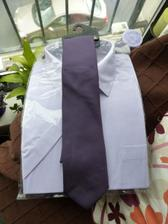 ženichova košile a kravata...barvy ve skutečnoti ještě sytější