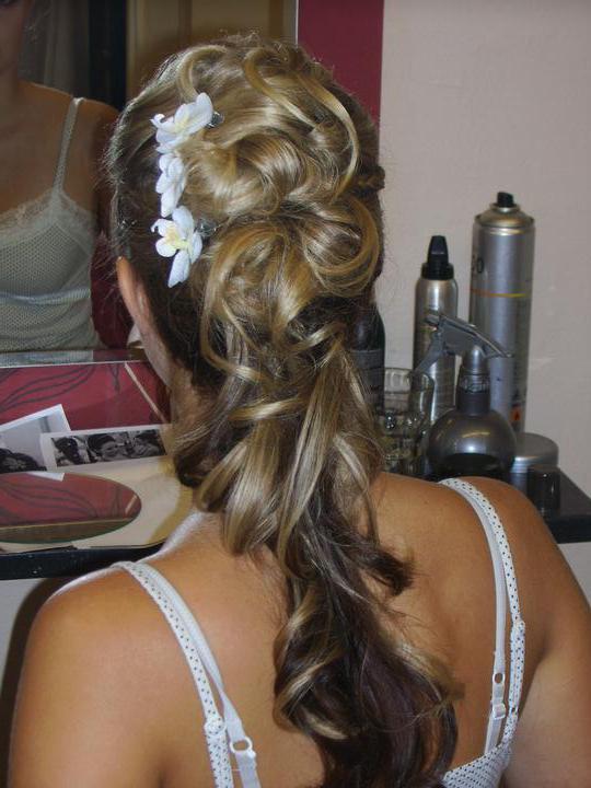 Přípravy K & M 9.9.2011 - svatební zkouška účesu a líčení, holky co myslíte ?