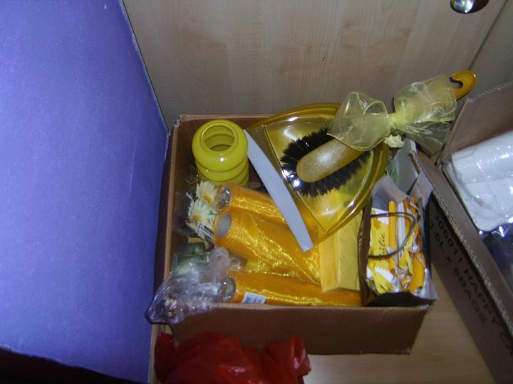 Přípravy K & M 9.9.2011 - sbaleno sebou, výzdoba stolu atd....