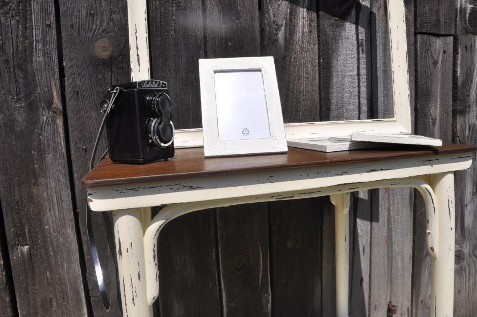 Stolik, foto ram a 3ks male ramiky - Obrázok č. 2