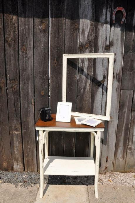 Stolik, foto ram a 3ks male ramiky - Obrázok č. 1