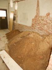 hlína z podlah