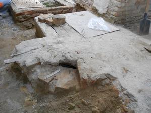 odkrývání studny