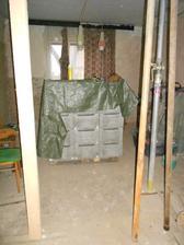 Paleta ztraceného bednění a paleta cementu.