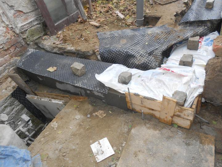 Konečně tvoříme! - Beton je zakrytý.