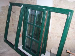 Okna Macek - OKNOLUX IV 78 Klasik, smrk napojovaný,  RAL6005 - mechová zelená, izolační trojsklo, 4-12-4-12-4, 36mm, Ug=0,7