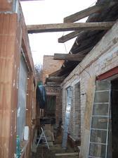 Shozená střecha na verandě.