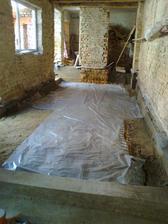 Chystání dětského pokoje na vylívání betonu.