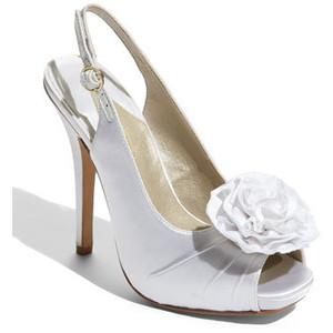Hledám fialové boty s nízkým podpatkem - Obrázek č. 7
