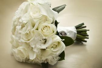 kytice pro maminky, svědkyně a sestru --> -->