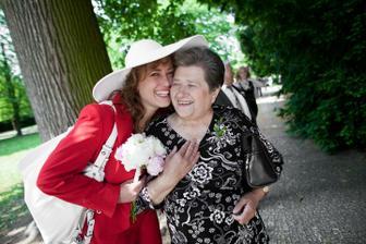 maminka s babičkou
