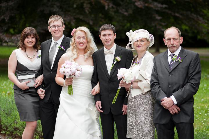 Evička{{_AND_}}Honzík - rodiče ženicha a bratr s přítelkyní
