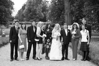 zleva setřenka s manželem, setra s přítelem, teta, my dva, mamka a bratranec s přítelkyní