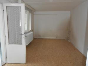 Zeď je již vybouraná, posunou se dětské pokoje dozadu místo staré koupelny.