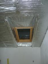 izolacia okolo okien