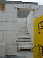 schodisko zo schodiskovych dielcov Ytong