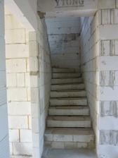 schodisko smerom od pracovne