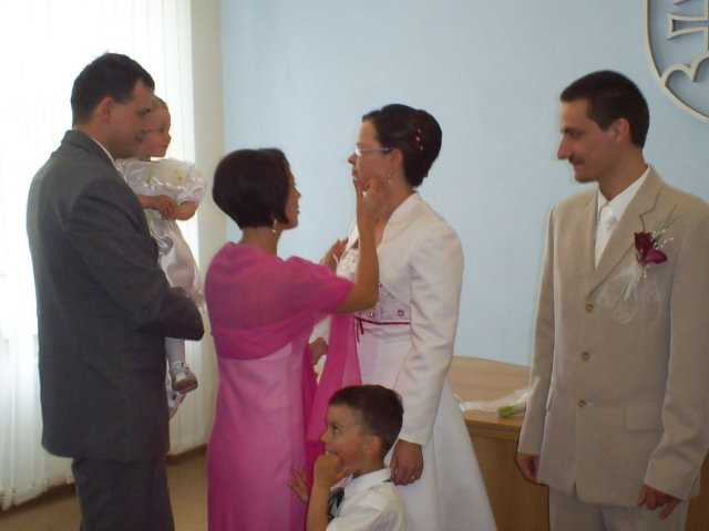 Zuzana Serdahelyová{{_AND_}}Rastislav Držka - gratulanti - najstarší brat so ženou a deťmi
