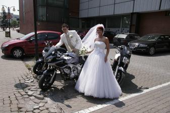 konečná podoba nevesty a ženícha.