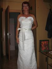 Popolnočné šaty.