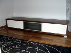 skříňka pod TV - Dřevotvar Znojmo