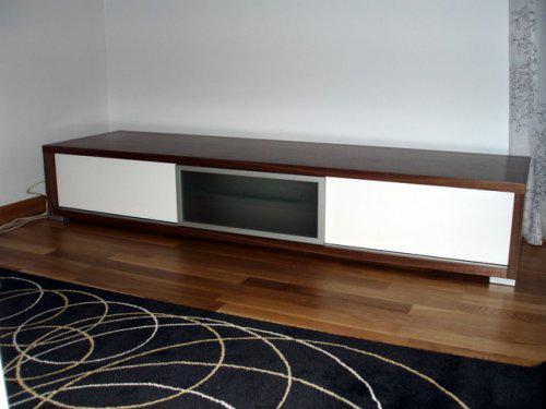Naše..... - skříňka pod TV - Dřevotvar Znojmo
