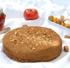 Pauluv oblibeny dort - ten nesmi chybet na svatbe.=Paul`s favourite:Honeycake, will definitely be amongst the cakes.