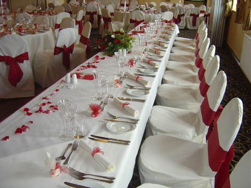 Svatební tabule + svatební účesy - inspirace - Minimální výzdoba - maximální dojem