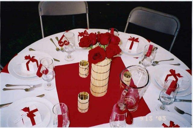 Svatební tabule + svatební účesy - inspirace - Ty dárečky jsou také hezká výzdoba