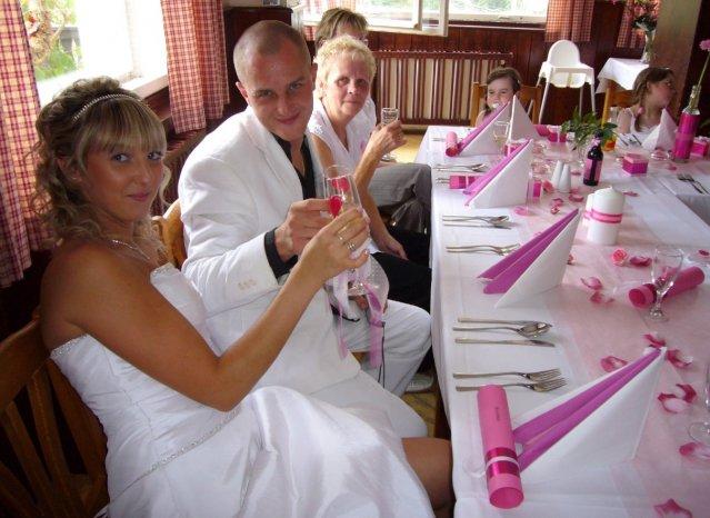 ♥ Jitka Kršková{{_AND_}}Martin Růžička ♥ - připíjíme na šťastné manželství :-)