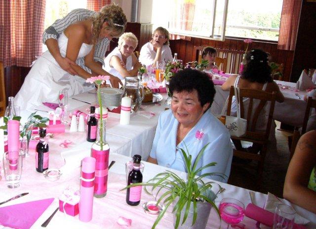 Svatební tabule + svatební účesy - inspirace - Vínečka taky byla :-)