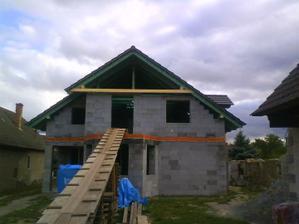 September 2009 a budiš strecha.