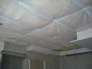 Folia stropu