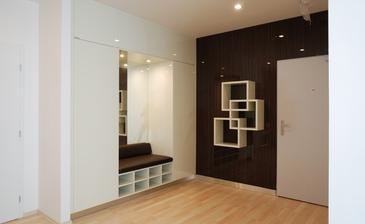 hezky skloubená skříň se sedátkem