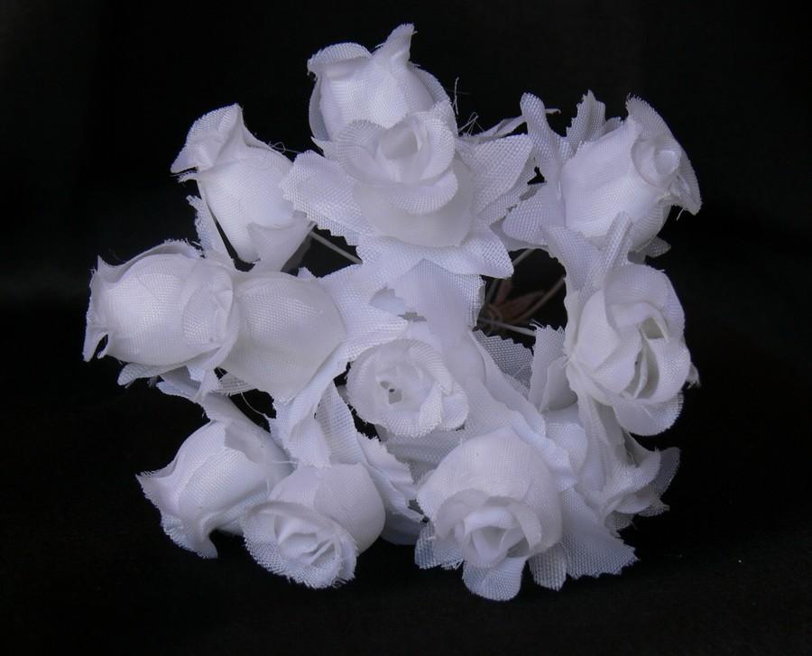 Biele ružičky na dekoráciu  - Obrázok č. 2