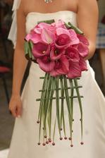 moc pěkná kytky akoráte bych ji chtěla v bílém, ale mám ijiné favoritky