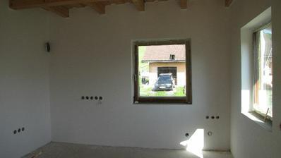 budúca kuchyňa..v rohu medzi oknami bude umyvadlo