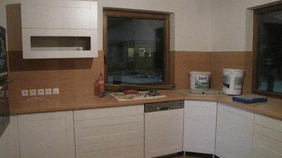 a pracuje sa aj na kuchynke...este sklo, úchytky a nejaké drobnosti...