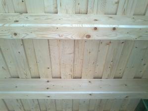 náš strop.....bude priznaný všade okrem kotolne