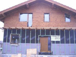 vchodové dvere osadené - drevené