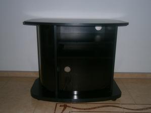 ...predtým nepotrebný TV stolík